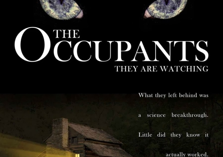 Живущите / The occupants